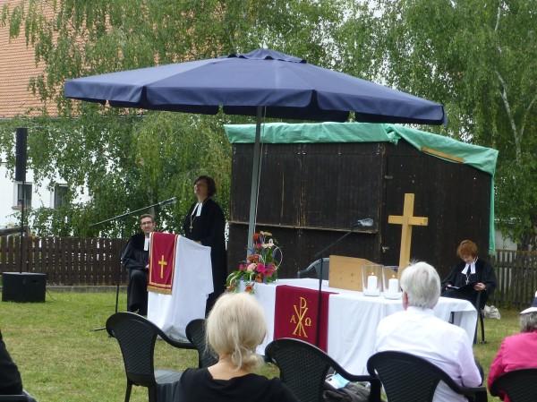 Am 19.07.20 war es endlich soweit: Regionalbischöfin Elisabeth Hann von Weyhern ordinierte ...